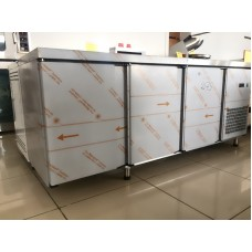 Холодильный стол 3 двери; нерж